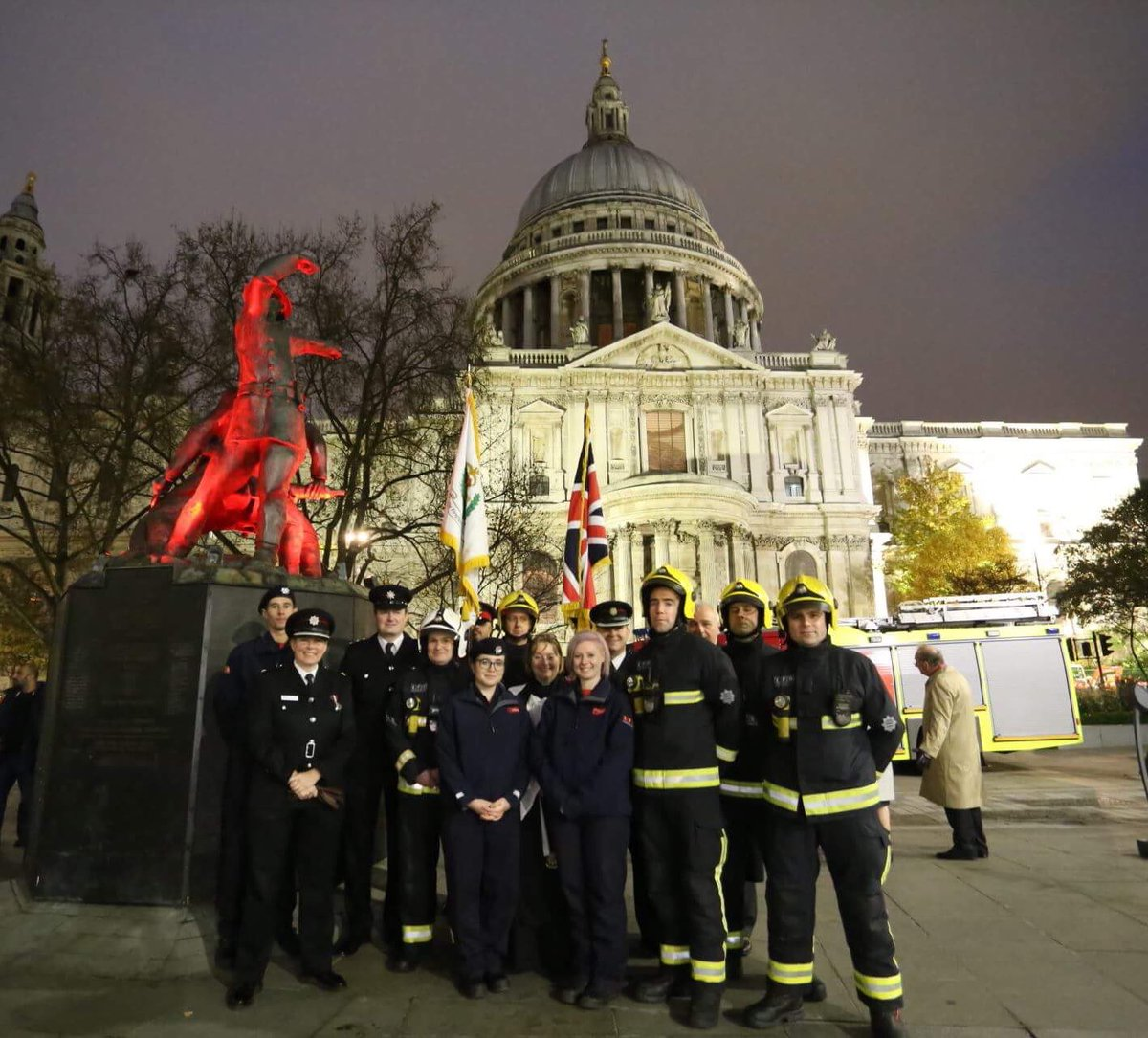 how to join the fire brigade london
