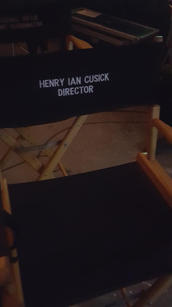 Psst, guess who's directing @shawnabenson's & my episode of The 100 this season? @hicusick, Yay!!! https://t.co/6fLACgSsAb