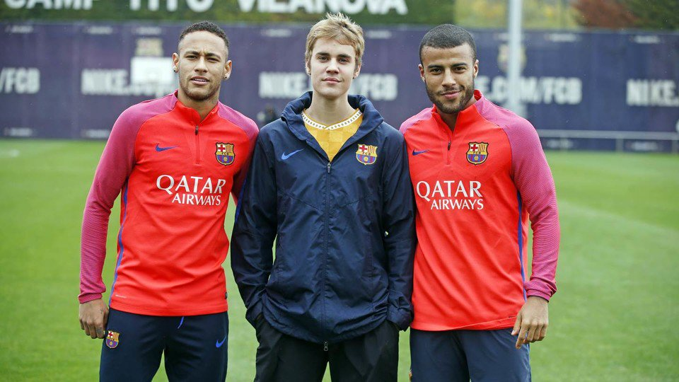 exclusive photos: justin bieber join fc barcelona, play soccer with neymar, lionel messi & luis suárez - Cx1LNdvWgAAI2qW - Exclusive Photos: Justin Bieber Join FC Barcelona, Play Soccer with Neymar, Lionel Messi & Luis Suárez