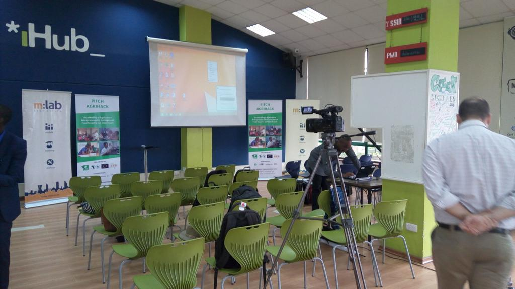 All is set for #pitchagrihack bootcamp @iHub https://t.co/gx3LLkQSfJ