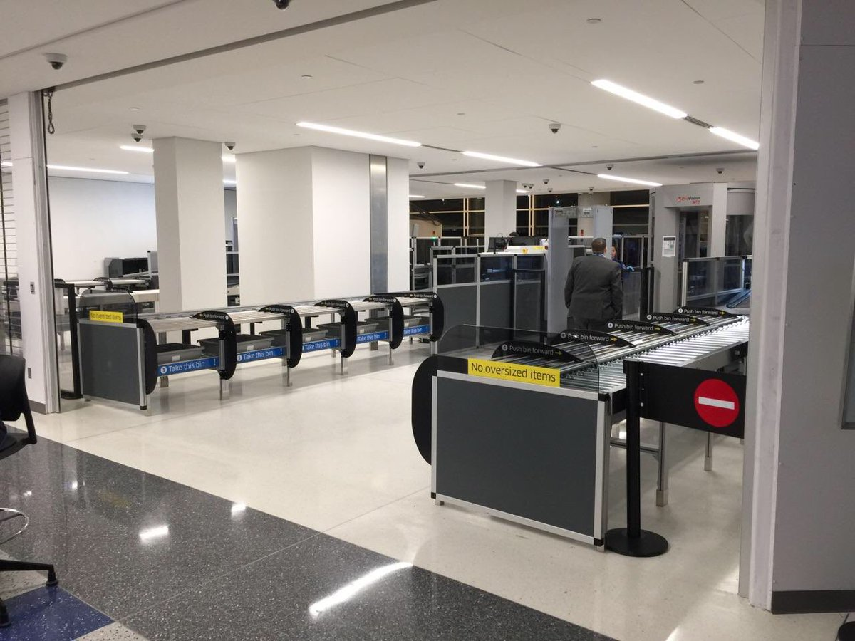 New #United checkpoint opens today in Newark w/automated screening lanes @weareunited @gavinmolloy @Rick_Hoefling
