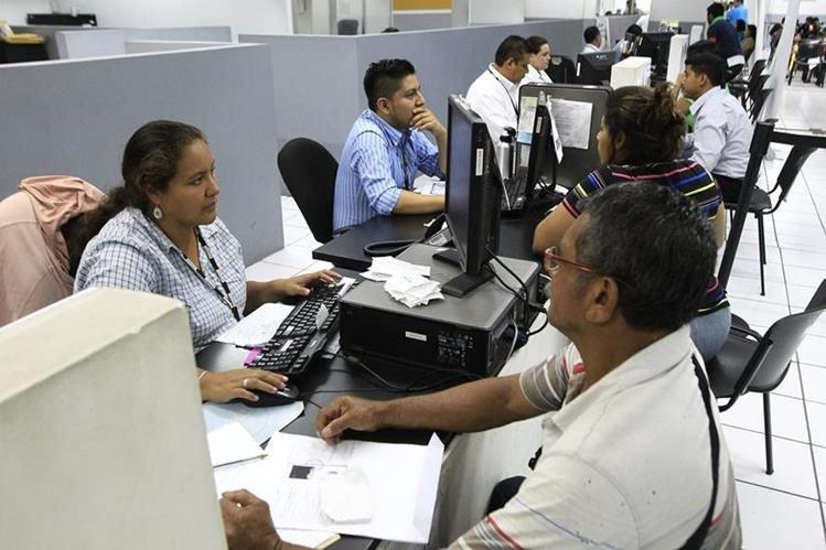 Thumbnail for Guatemaltecos se pronuncian y dicen #YoQuieroMiDPI