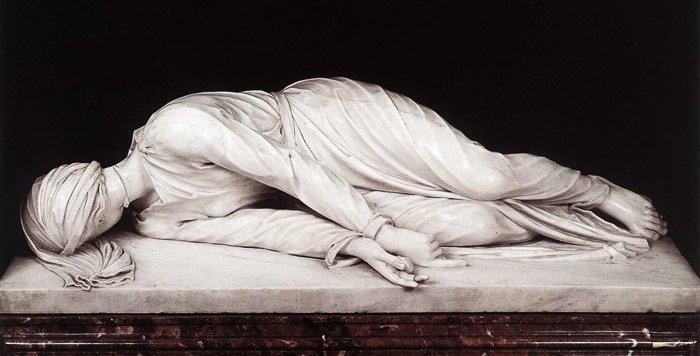 こちらはバロックの彫刻家ステファノ・マデルノの聖セシリア。不気味な感じがすごい。しかし、電子レンジでチンしてるみたいな照明はこれでいいのかしら。 https://t.co/N0RWoNNDjL