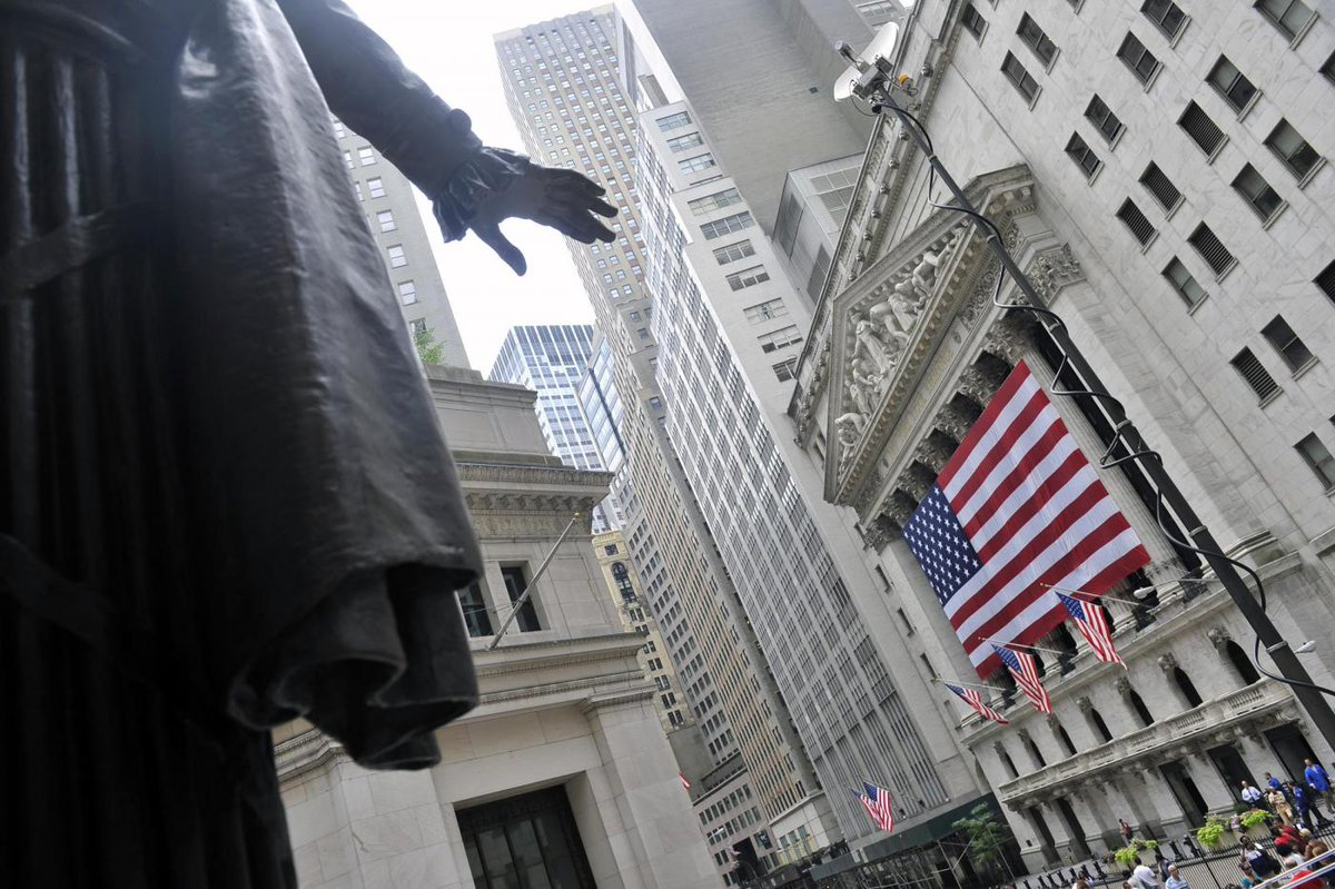 A Wall Street è ancora record, Dow Jones sopra quota 19mila per prima volta nella storia https://t.co/mgLkabxvXr https://t.co/ZgaaTHEdgK