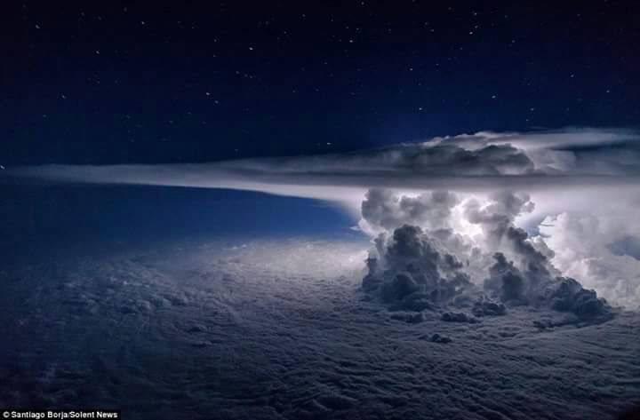 Tempesta tropicale OTTO su Panama prima di diventare Uragano