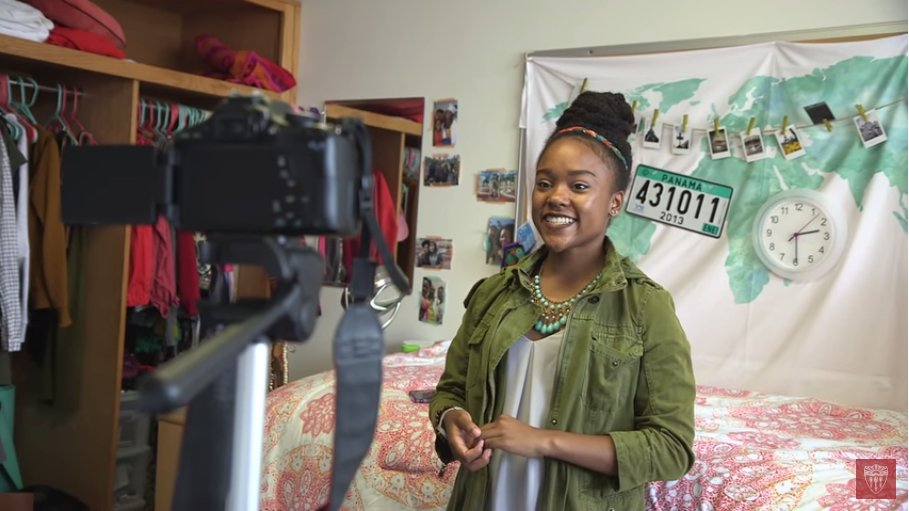 Vlogging the Trojan student experience - @JoiKWade  shares her experience with #FutureTrojans via #YouTube  http:// ow.ly/rB9b306qIkI  &nbsp;  <br>http://pic.twitter.com/mLYjQeRaqY