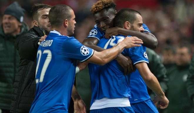 Champions, colpaccio Juventus a Siviglia: Bianconeri agli ottavi (VIDEO)