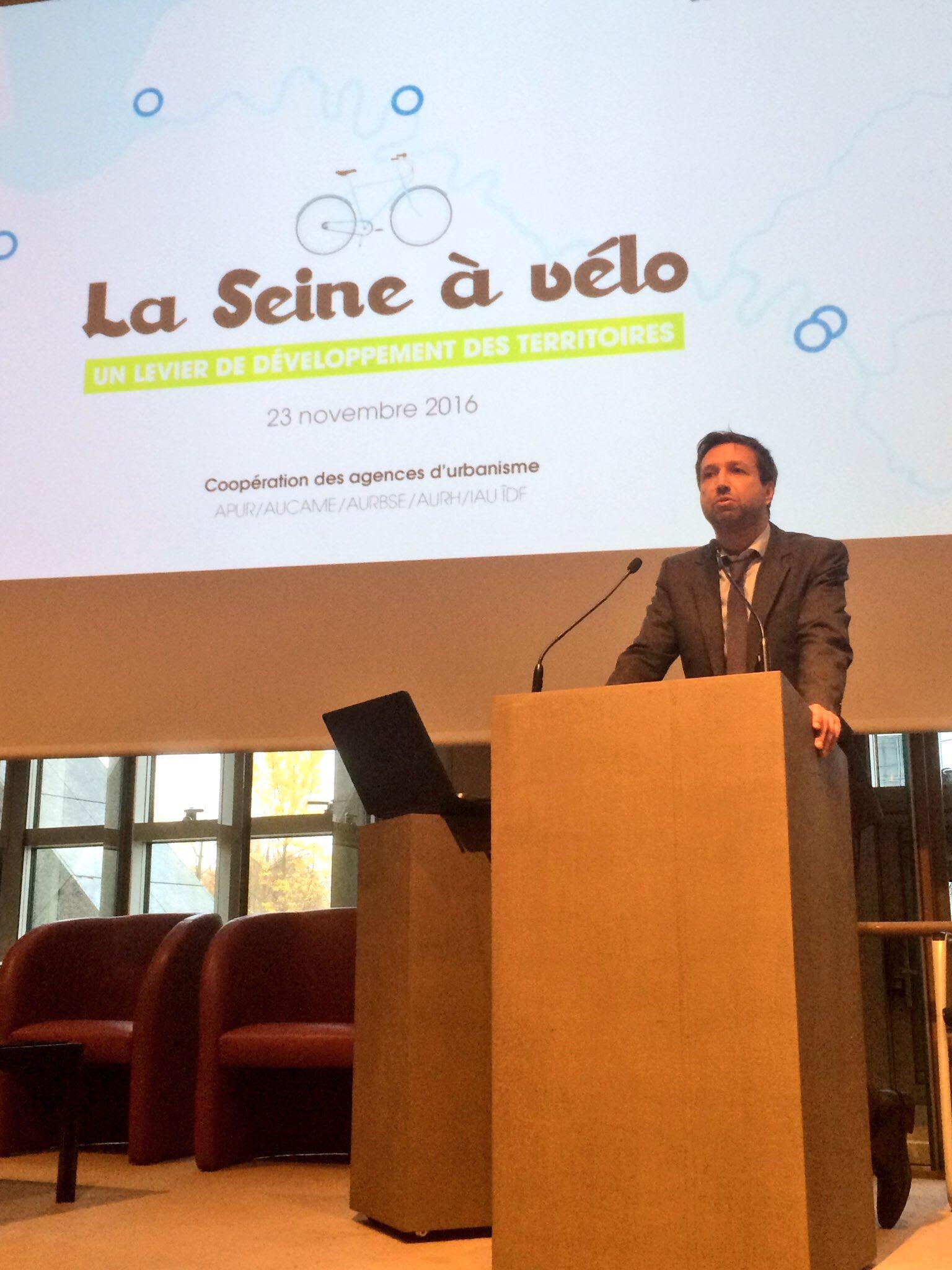 Laurent Moreno, DG de AURBSE : Rouen est située en Seine amont mais aussi en Seine aval avec sa dimension portuaire #veloseine @DocAURBSE https://t.co/Kct32M5Pkx