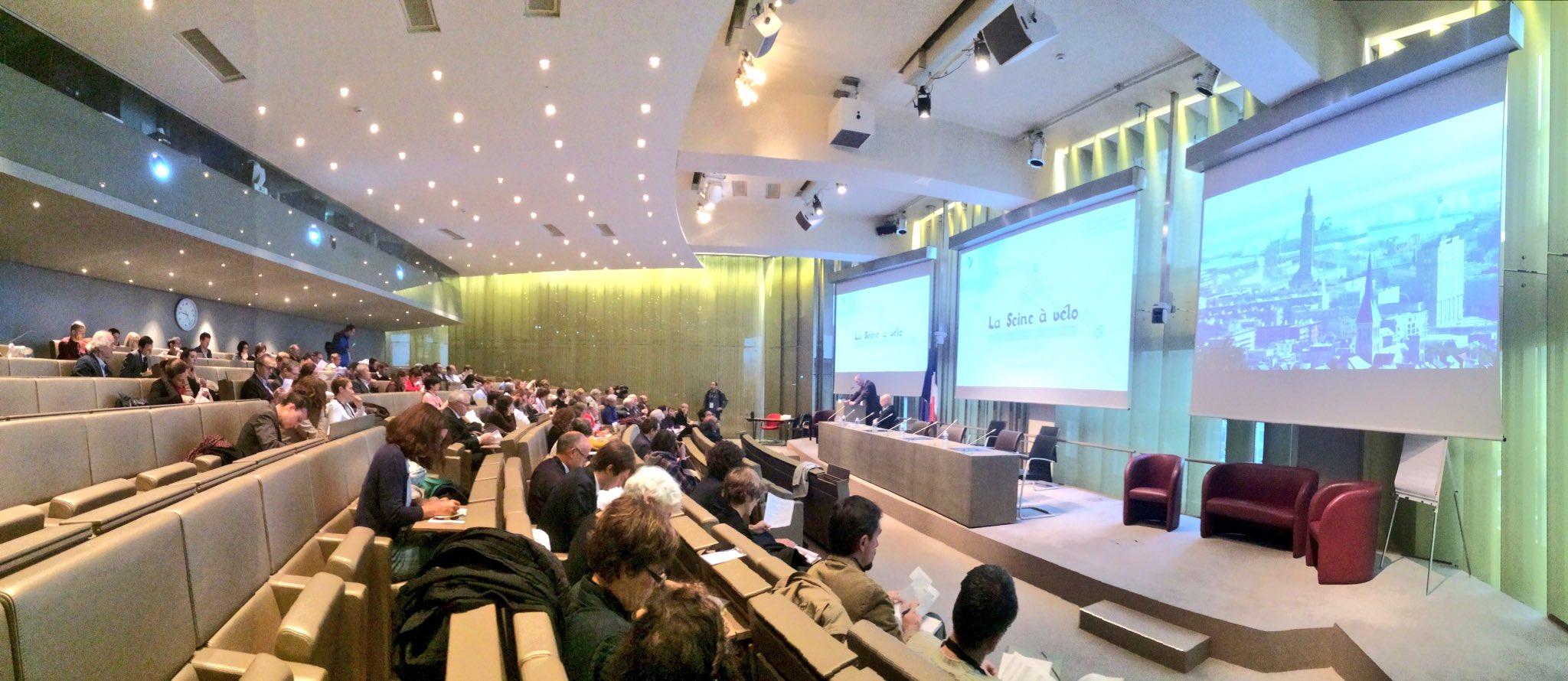Près de 200 participants pour cette 2e édition des rencontres des agences d'urbanisme de la Vallée de la Seine #veloseine https://t.co/6gqSePkbzl