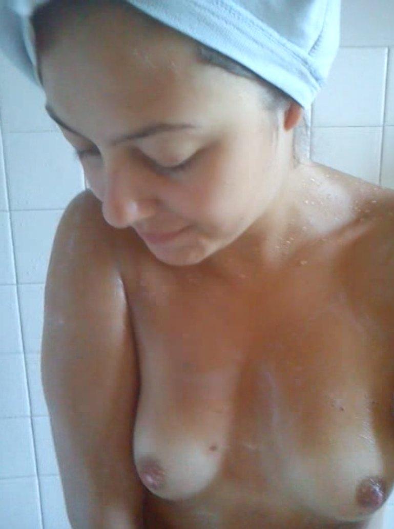 Nude Selfie 9506