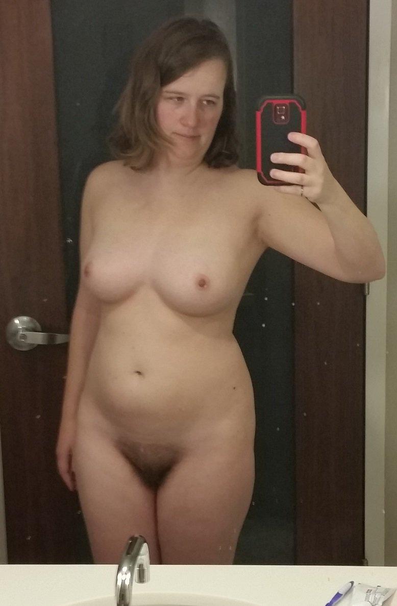Nude Selfie 9507