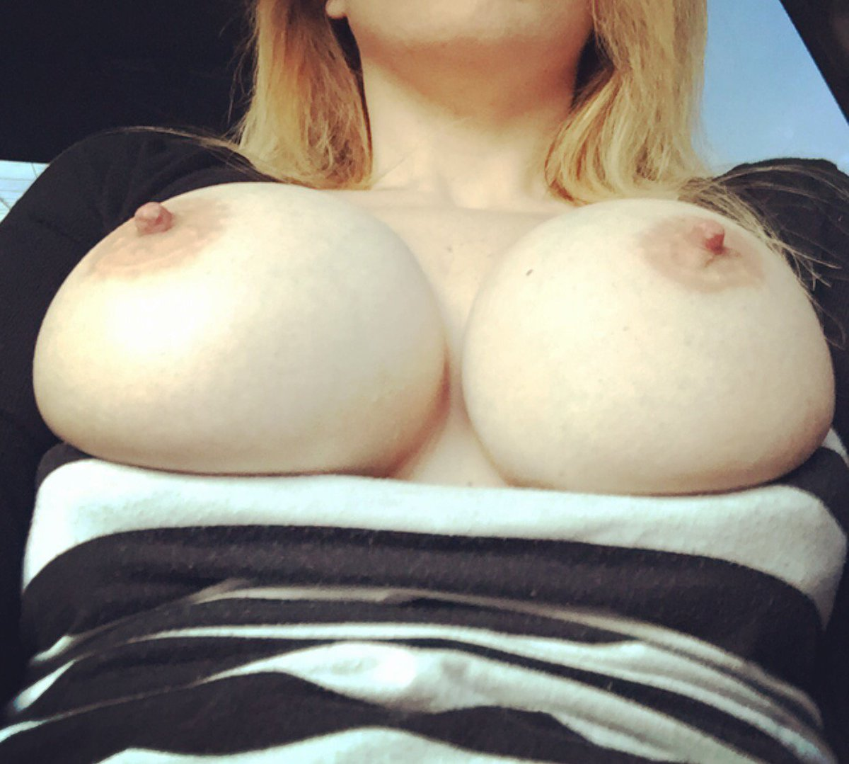 Nude Selfie 9511