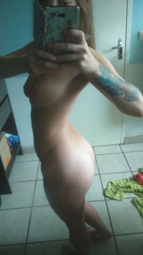 Nude Selfie 9513