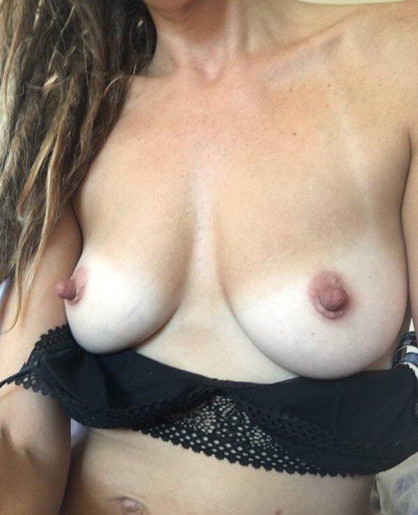 Nude Selfie 9515