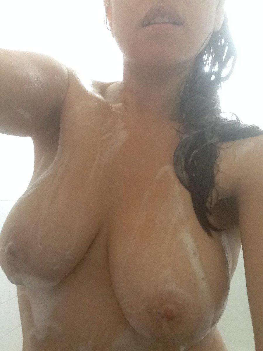 Nude Selfie 9528