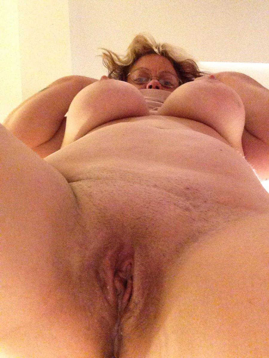 Nude Selfie 9531