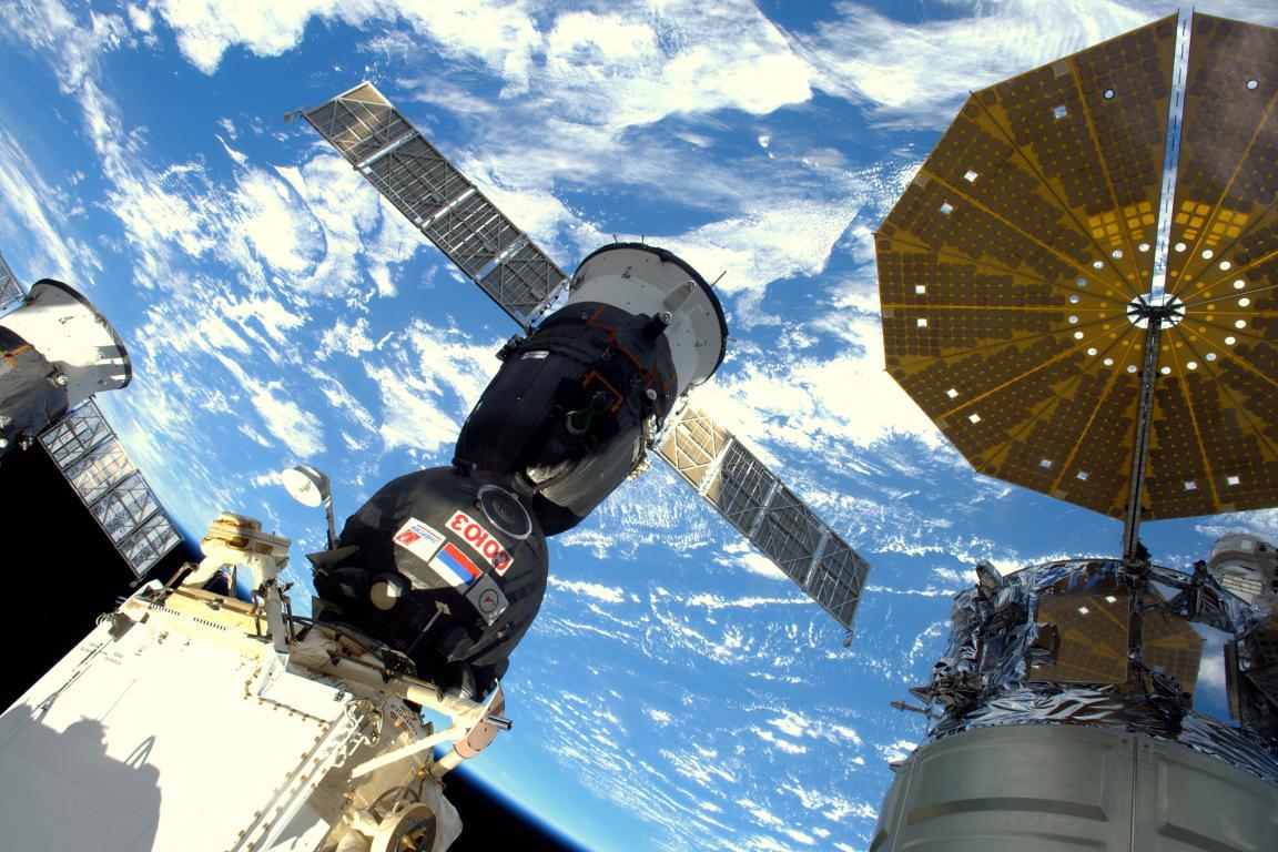 Le vaisseau Soyouz vu depuis le module Cupola
