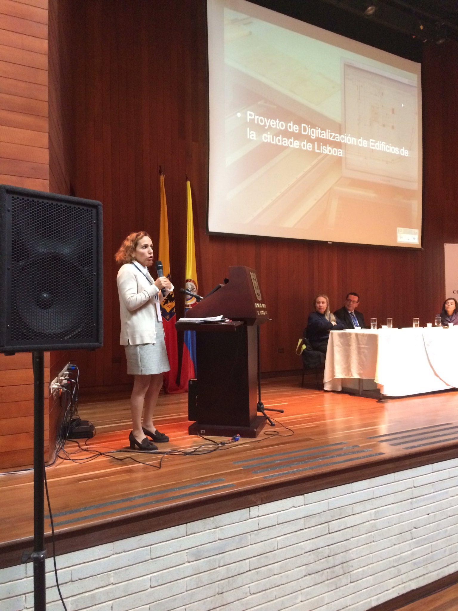 Ines Viegas habla sobre el proyecto de digitalización de edificios de la ciudad de Lisboa. #RetosDeLosArchivosMunicipales https://t.co/cxEN7JV7KY