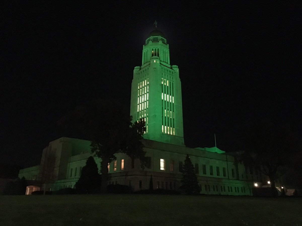 Nebraska's State Capitol shines green to support our American heroes. #VeteransDay @greenlightavet @GovRicketts https://t.co/YDrZ5d91kl