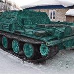 これはスゴイ 20トンの雪で作った戦車!