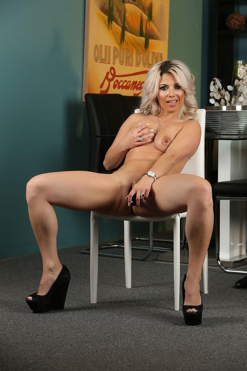 Picture 2 - RachelAziani