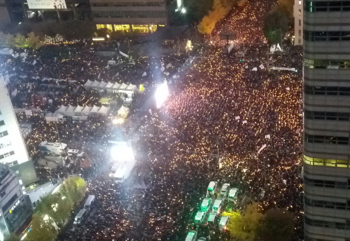 This is why South Korea is a democracy https://t.co/KsftEkVQ23
