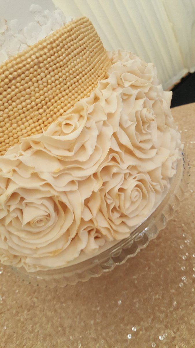 Cakes by Sophie Page (@CakesBySophie) | Twitter