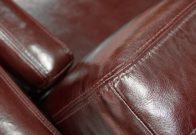 Here's a homemade recipe to condition your leather furniture. homeimprovement diy
