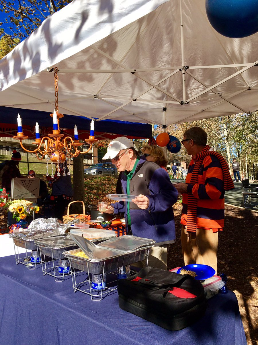 Playingintheleaves hashtag on twitter now heres a great tailgate chandelier playingintheleaves at uvafootball vs canesfootballpicitterjmec9whvf5 arubaitofo Image collections