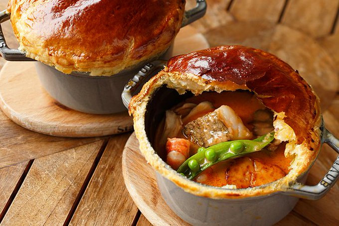 Check out this GORGEOUS seafood pot pie (and make it at home) ://