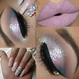 Feel like a diamond in the rough? Check out this holiday look makeup bbloggers