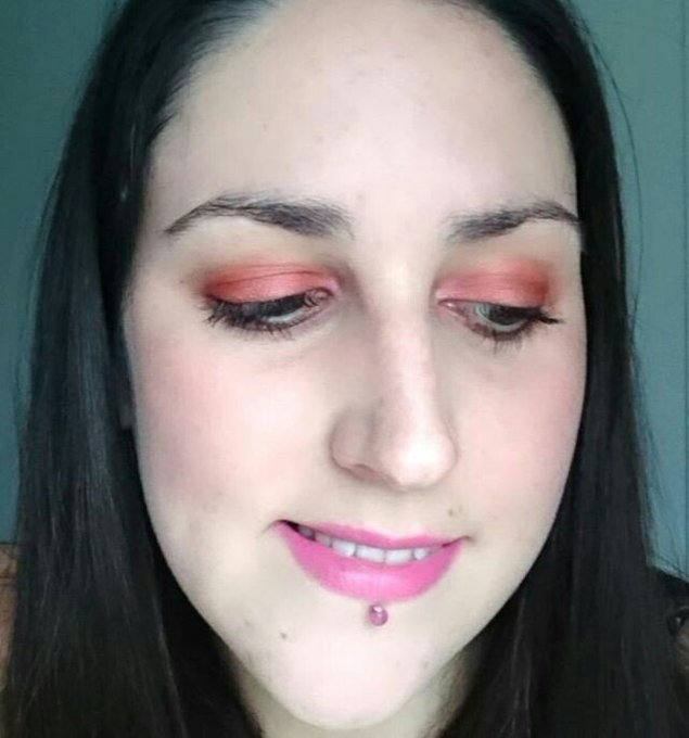 Another v quick makeupoftheday using UrbanDecay ThroughTheLookingGlass makeup beauty