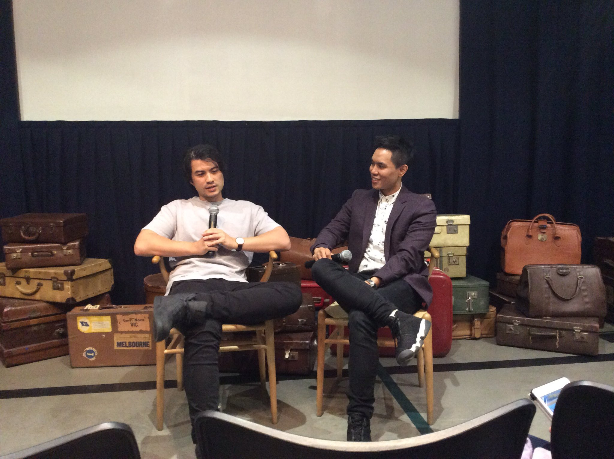Whitewashing ,stereotypes & working in the media in Aus. @Max_was_here @andy_trieu @immigration_mv this afternoon https://t.co/k7OUGu4OtH