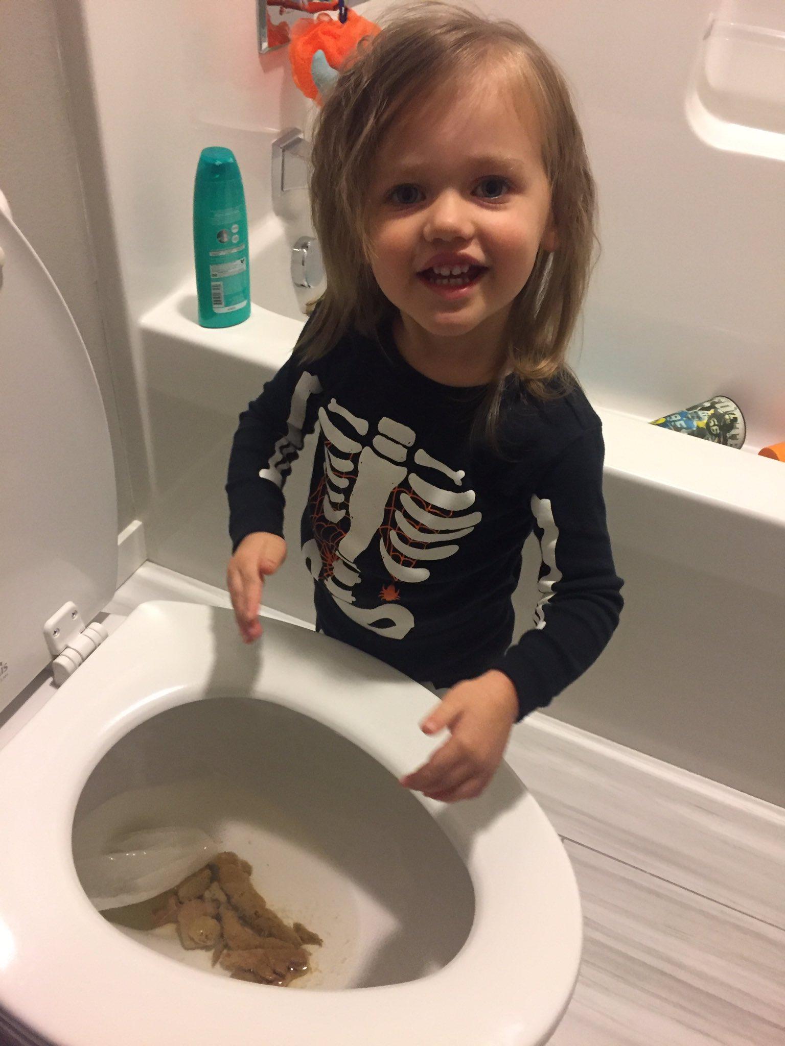Beautiful Girls Pooping On Toilet  New Girl Wallpaper-7661
