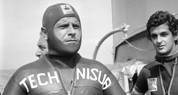 Foto storica Enzo Maiorca apneista recordman italiano immersioni