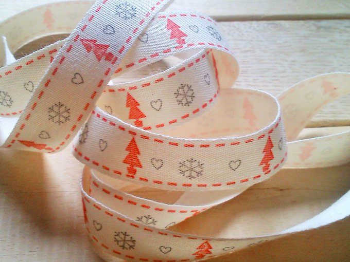 Planning your Christmas crafts? Get a load of our beautiful natural scandi ribbons