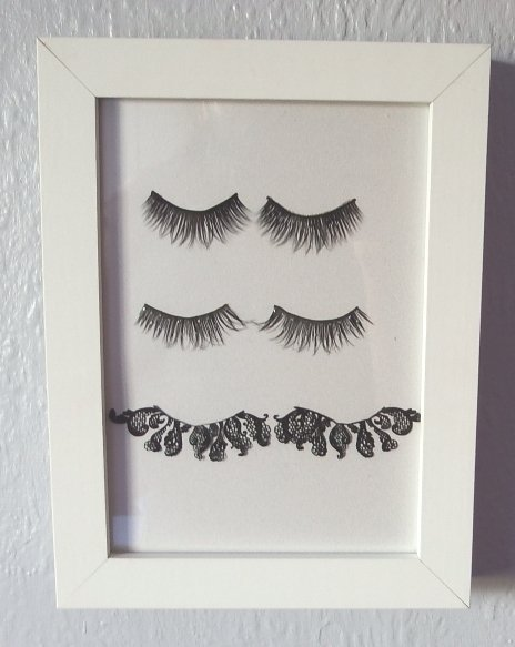 Feeling creative? Try my easy eyelash themed beauty frame DIY! craft cbloggers beauty