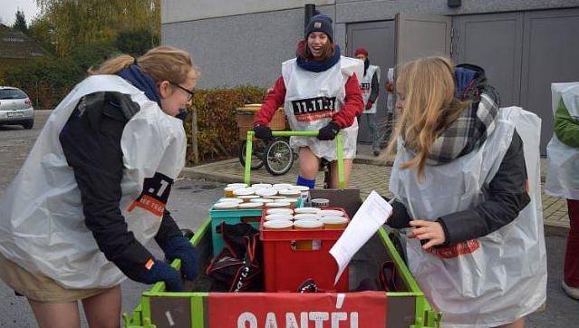 """""""Een hartverwarmend Vlaanderen"""": 11.11.11 haalt iets meer op dan vorig jaar https://t.co/6jCqe1x00y #hln https://t.co/hVSDLJ44kM"""