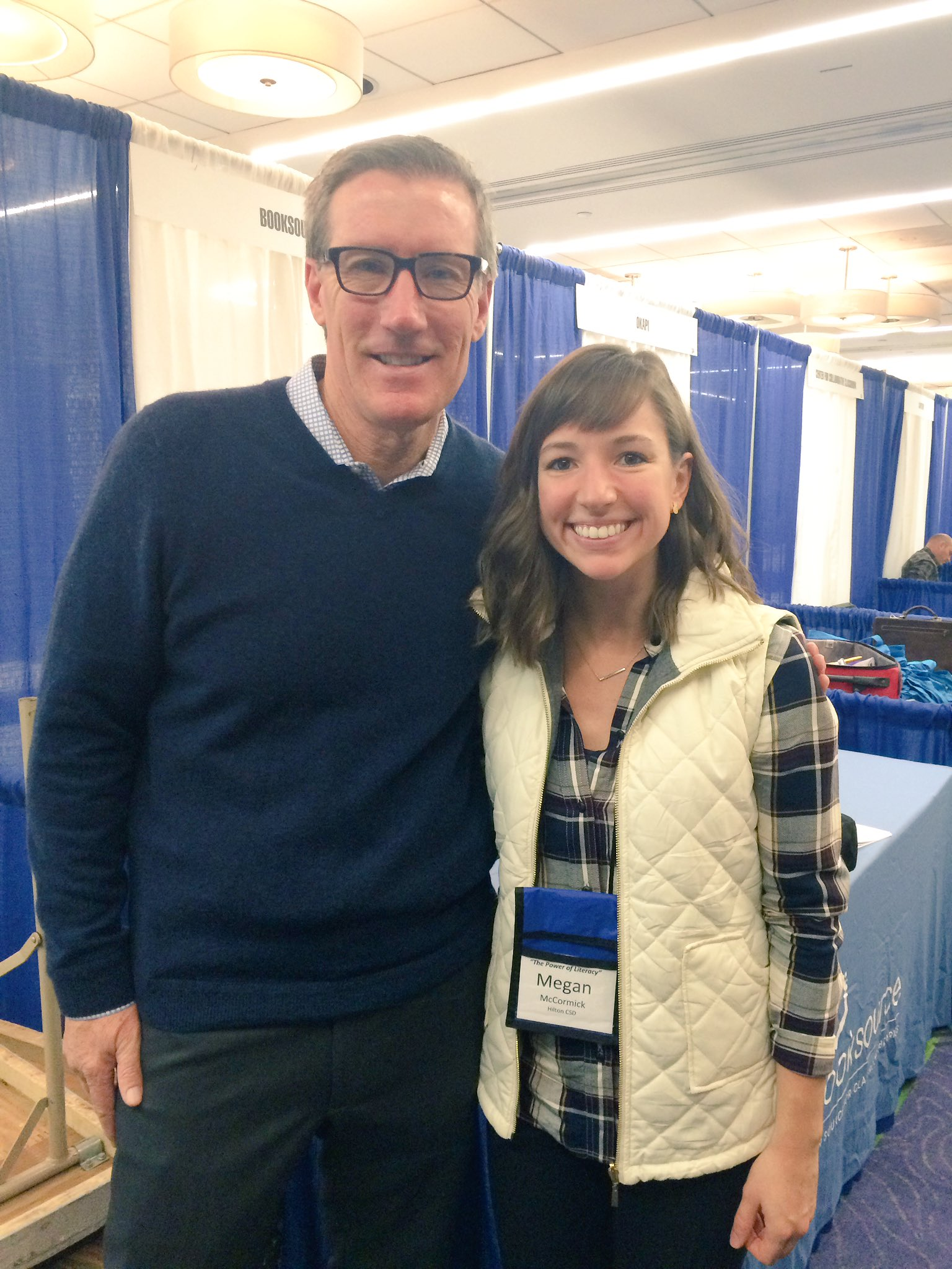 Met another teaching idol today, @KellyGToGo! TY for inspiring me w/ your 4-week argument unit! @nysreading #thepowerofliteracy2016 https://t.co/QWSI7jWv2V