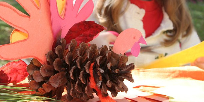 Channel your babys inner Picasso with these DIY Thanksgiving crafts: