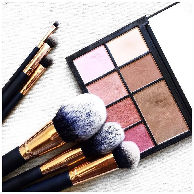 Loving artistebrushes sweatybettypr makeupbrushes makeup nars narsissist rosegold
