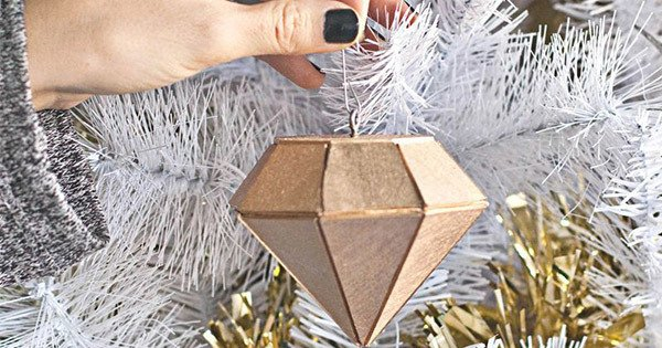 10 festive ornaments to DIY this season: