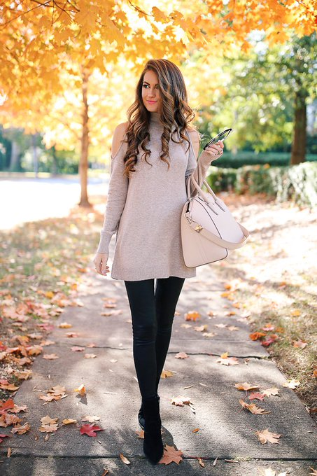 How to Style Faux Leather Leggings via Southern Curls & Pearls cmcoving ootd