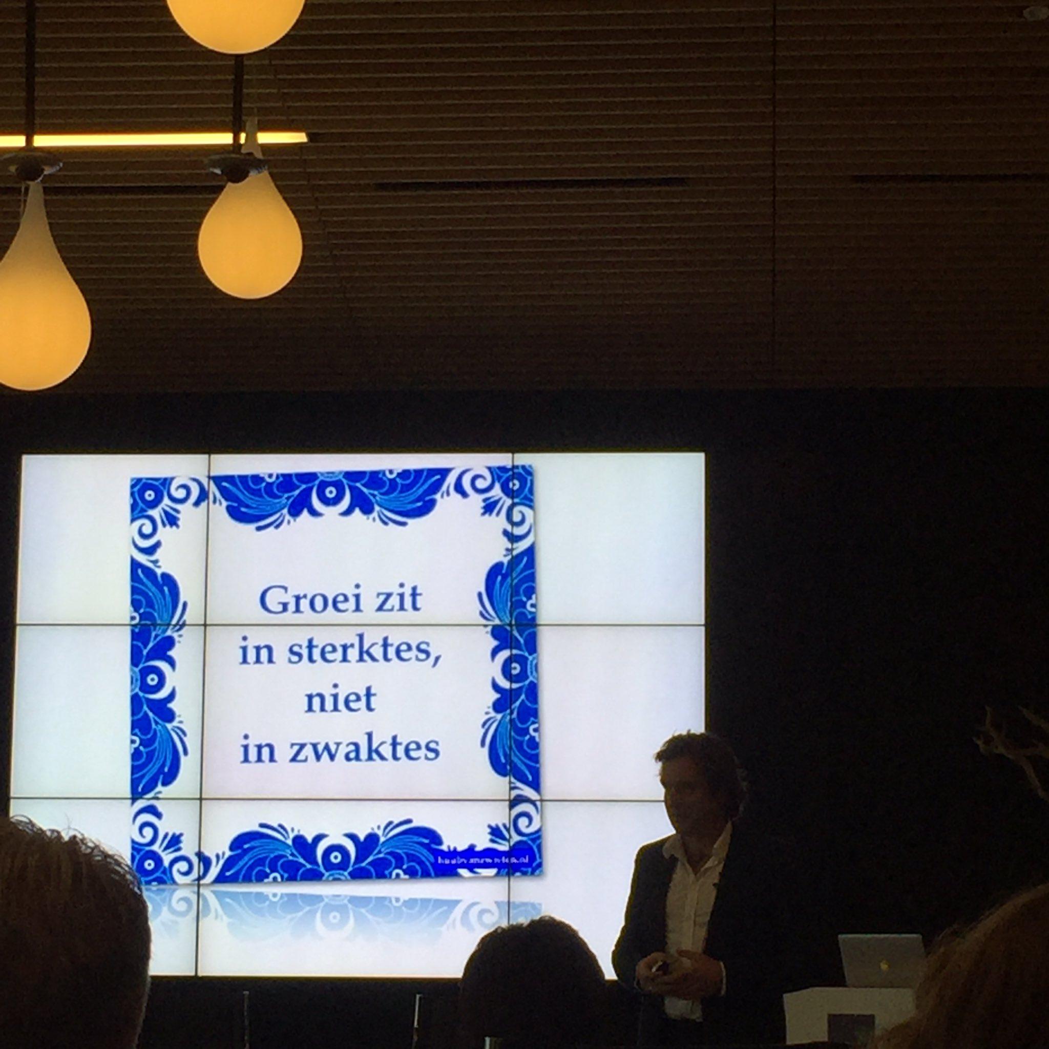 """""""Groei zit in sterktes, niet in zwaktes"""" quote van @Huub van Zwieten werkeninwb #MIJW https://t.co/fiWlYY1Y8f"""