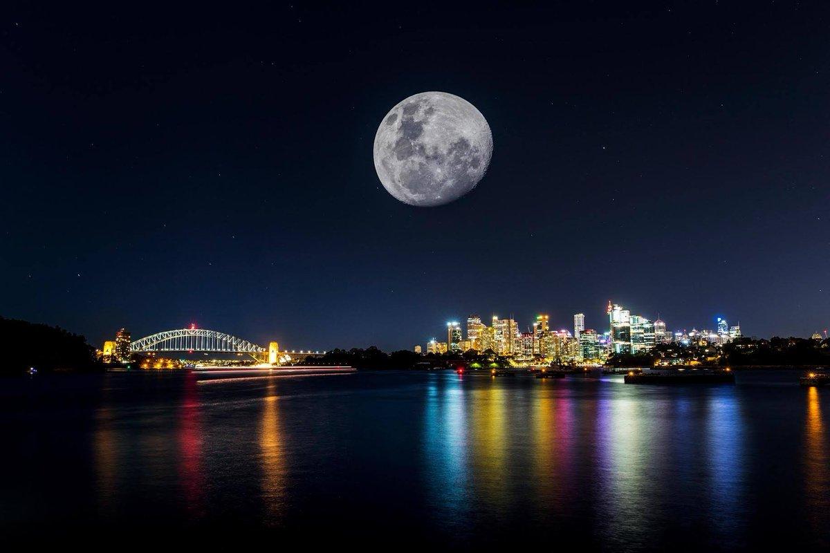 Supermoon Sydney via @cityofsydney #supermoon #SuperLuna https://t.co/1mqEP3N4hS