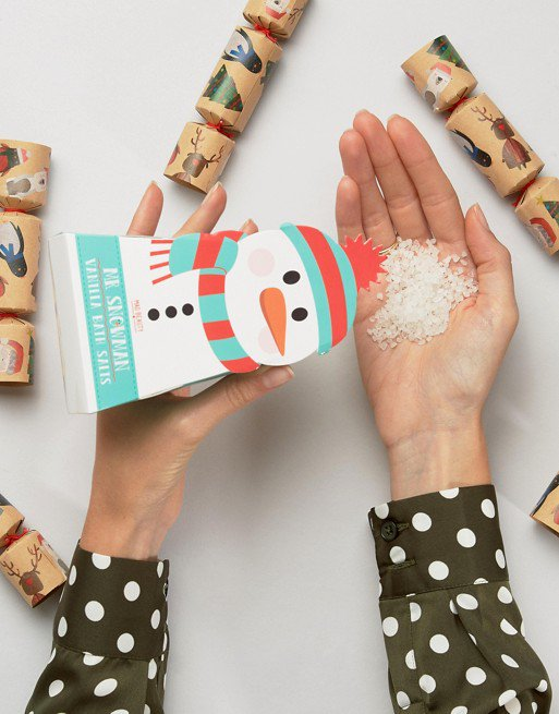 Ooh! Beauty stocking stuffers under $10?! Count us in. Christmas makeup