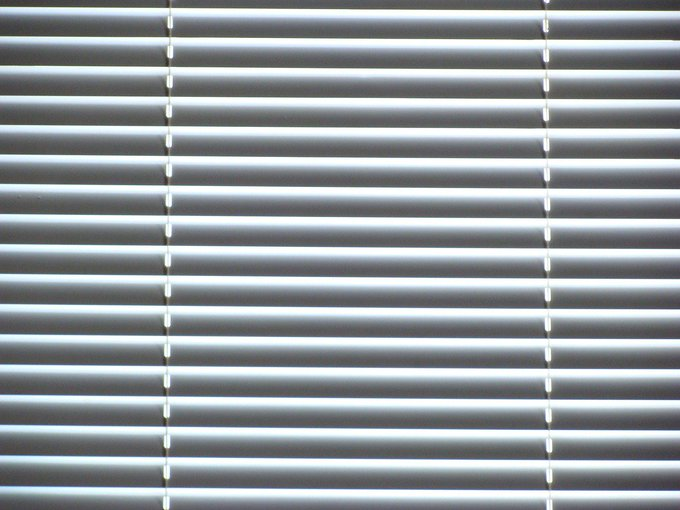 Things I Learned While Cleaning My Mini Blinds Lifestyle via niume_official DIY