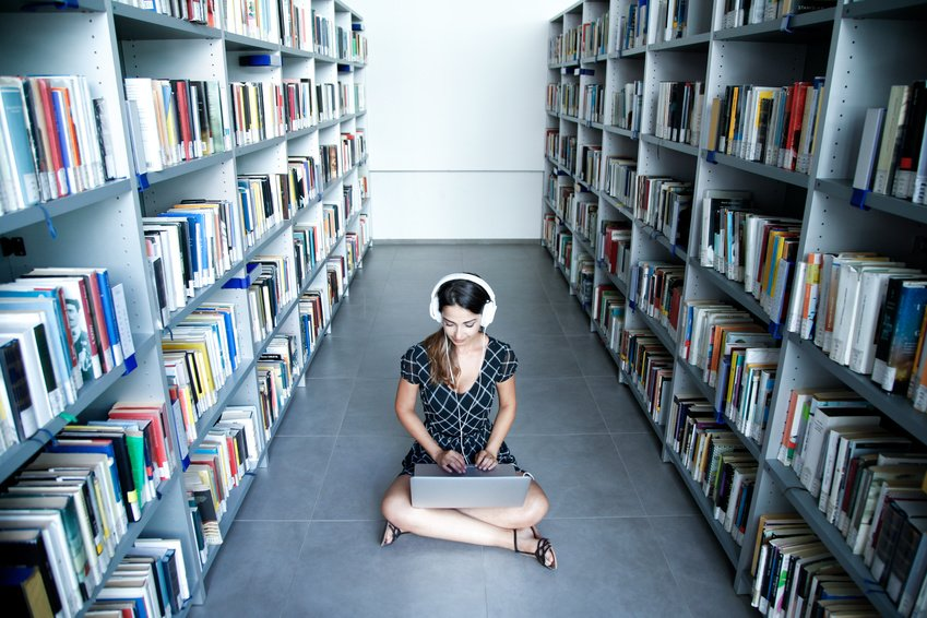 Inria crée une bibliothèque universelle de logiciels libres @SWHeritage https://t.co/pyUjBlRTOs https://t.co/EWJPATyajo