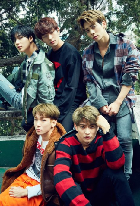 [Photo] Itune digital book - SHINee #1and1  #TellMeWhatToDo 161115 - (7P) https://t.co/eAMqnWQucS https://t.co/ldomF25IGB