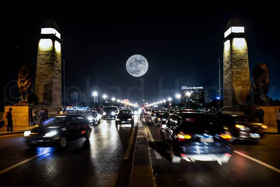 Brilliant Photo by Gehad Hamdy from Egypt #supermoon2016 https://t.co/zaW2wc1kDC